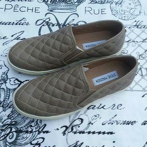 066670d9549 Steve Madden Shoes - STEVE MADDEN ECENTRCQ WOMEN S FLATS 7.5M GRAY TAN